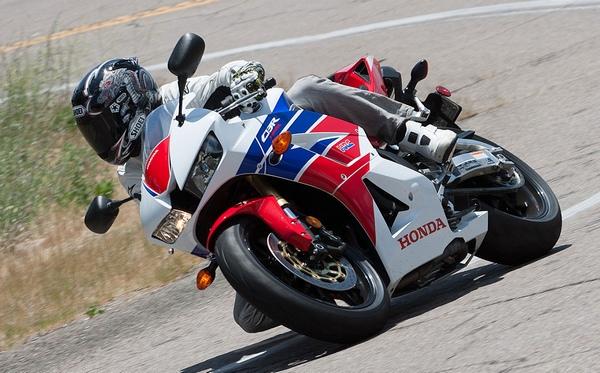 Мотоцикл Honda CBR600RR (Хонда СБР600РР) - фото 12