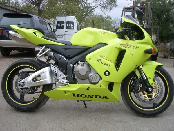 Мотоцикл Honda CBR600RR (Хонда СБР600РР) - фото 17