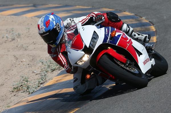 Мотоцикл Honda CBR600RR (Хонда СБР600РР) - фото 2