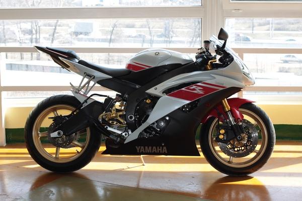 Легендарный мотоцикл из категории суперспорт Yamaha R6 - фото 19