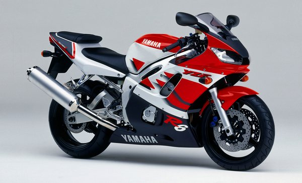 Легендарный мотоцикл из категории суперспорт Yamaha R6 - фото 3