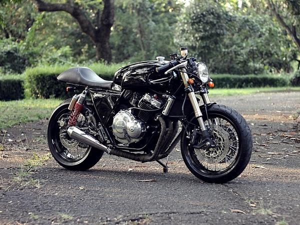 Фотогалерея Honda CB 400 - фото 15