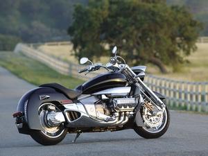 История модели мотоцикла Honda Valkyrie