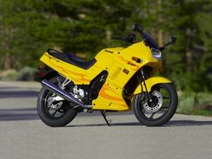 Обзор Kawasaki Ninja 250 R мотоцикл для начинающих