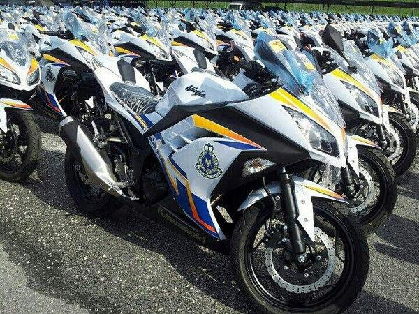 Фотогалерея Kawasaki ninja 250R - фото 1