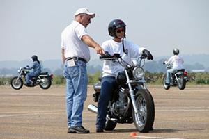 Пытаемся разобраться вместе какой все таки мотоцикл лучше купить начинающему мотоциклисту
