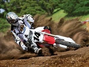 Экипировка для мотокросса важная составляющая этого вида спорта