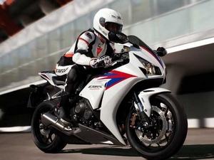Мотоциклы Honda (Хонда) категория Супер спорт (Super sport)