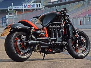 Семейство Triumph Rocet III - невероятно мощные мотоциклы