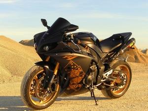 Модифицированный двигатель на мотоцикле Yamaha r1 появился в 2007 году