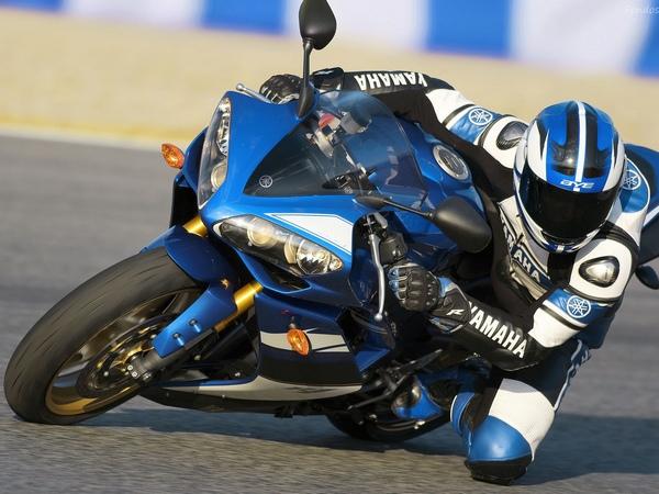 Yamaha YZF-R1 фотогалерея - фото 13