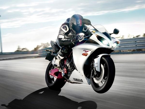 Yamaha YZF-R1 фотогалерея - фото 16