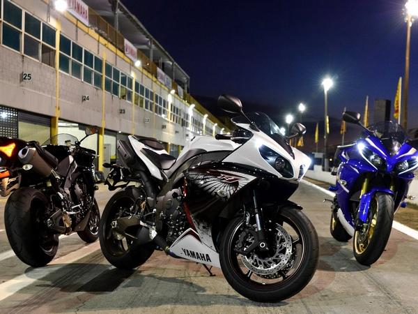 Yamaha YZF-R1 фотогалерея - фото 18