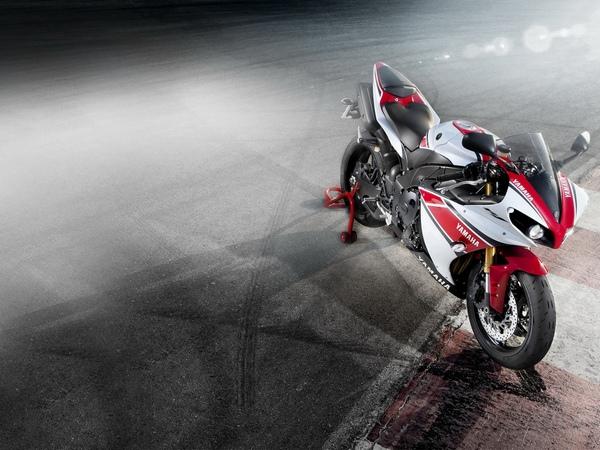 Yamaha YZF-R1 фотогалерея - фото 20