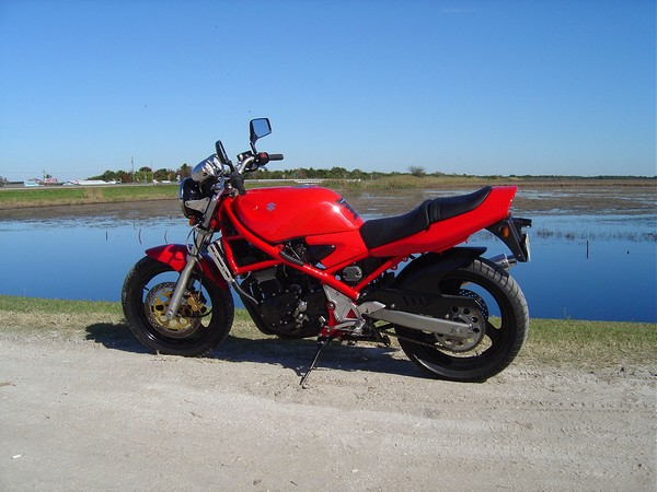 Фотогалерея мотоцикла Suzuki Bandit 400 (GSF400) - фото 4