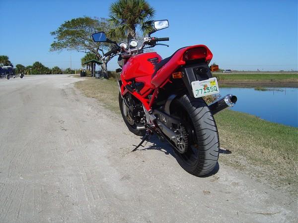Фотогалерея мотоцикла Suzuki Bandit 400 (GSF400) - фото 5