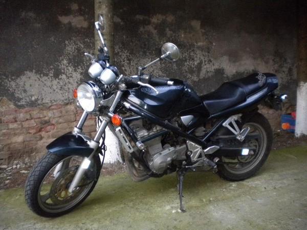 Фотогалерея мотоцикла Suzuki Bandit 400 (GSF400) - фото 9