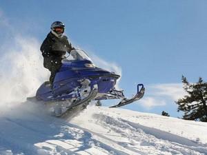 Шлем- неотъемлемая часть экипировки для езды на снегоходе
