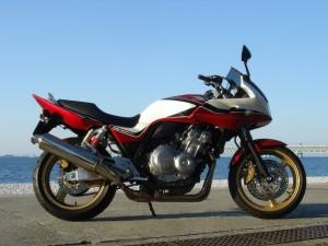Максимальная скорость Honda CB 400