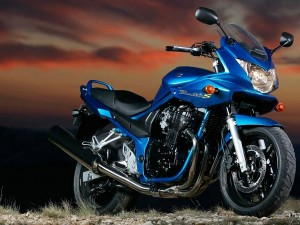 Обзор мотоцикла Suzuki Bandit 600