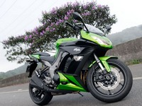 Kawasaki Ninja 1000 и его низкая посадка