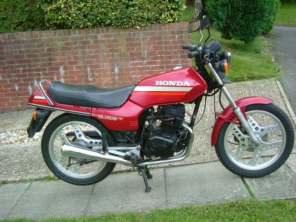 Фотогалерея мотоцикла Honda CB 125 - фото 8