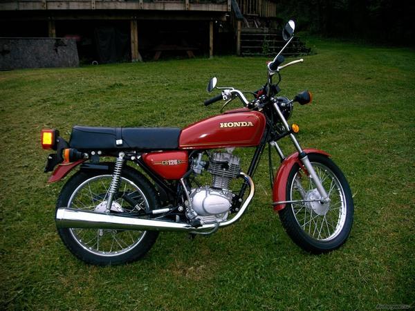 Фотогалерея мотоцикла Honda CB 125 - фото 10