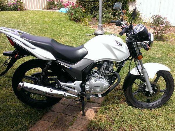 Фотогалерея мотоцикла Honda CB 125 - фото 12