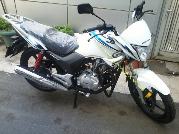 Фотогалерея мотоцикла Honda CB 125 - фото 13