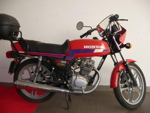 Фотогалерея мотоцикла Honda CB 125 - фото 21