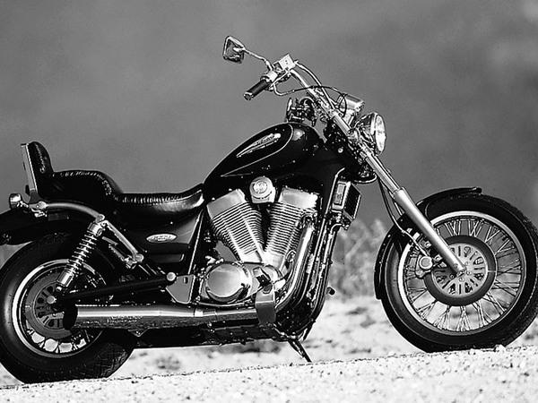 Фотогалерея мотоцикла Сузуки Интрудер 400 - фото 19