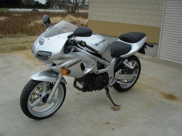Фотогалерея мотоцикла Suzuki (Сузуки) SV (СВ) 400S  - фото 8