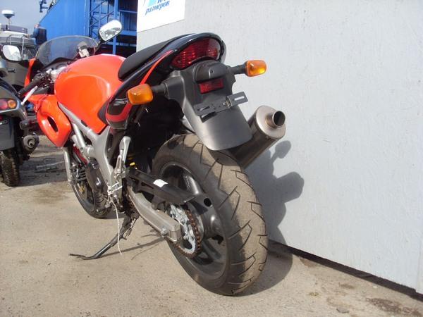 Фотогалерея мотоцикла Suzuki (Сузуки) SV (СВ) 400S  - фото 11