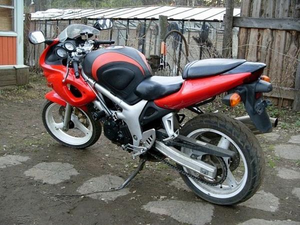 Фотогалерея мотоцикла Suzuki (Сузуки) SV (СВ) 400S  - фото 1