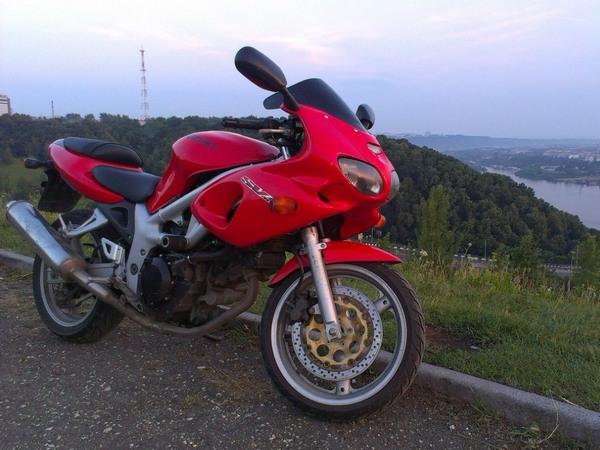 Фотогалерея мотоцикла Suzuki (Сузуки) SV (СВ) 400S  - фото 2