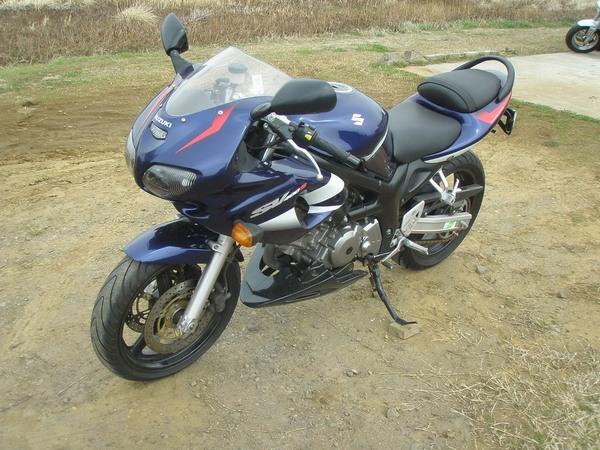 Фотогалерея мотоцикла Suzuki (Сузуки) SV (СВ) 400S  - фото 5
