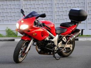 Внешность мотоцикла Suzuki (Сузуки) SV (СВ) 400S