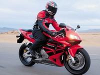 Простой и легкий в управлении спортбайк Honda CBR 600 RR