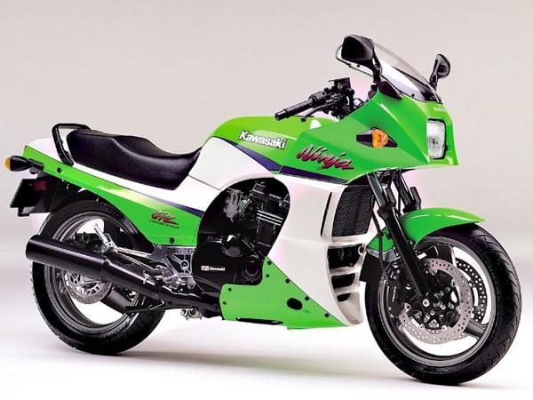 Фотогалерея мотоцикла Kawasaki GPZ900R -фото 17