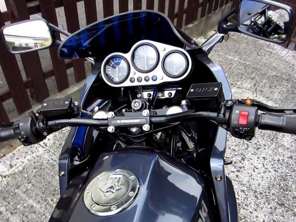 Фотогалерея мотоцикла Kawasaki GPZ900R -фото 19
