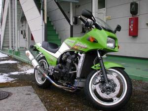 Исторические сведения о Kawasaki GPZ 900R