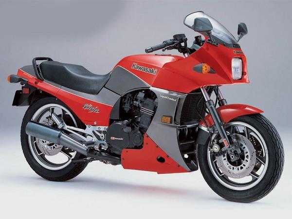 Фотогалерея мотоцикла Kawasaki GPZ900R -фото 1