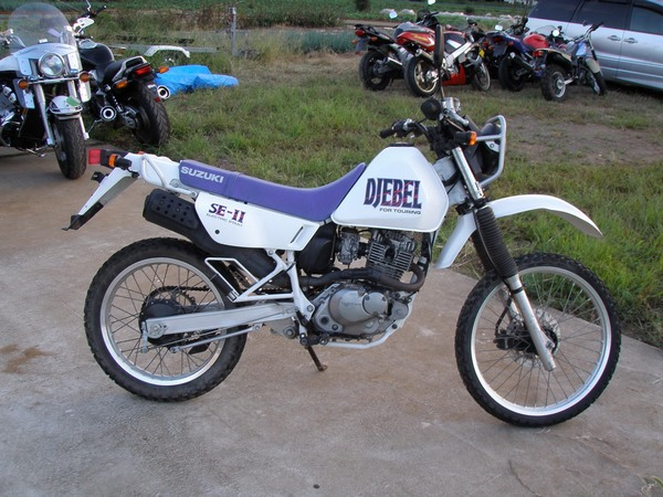 Фотогалкрея мотоцикла Suzuki Djebel (Cузуки Джебел) 200 - фото 1