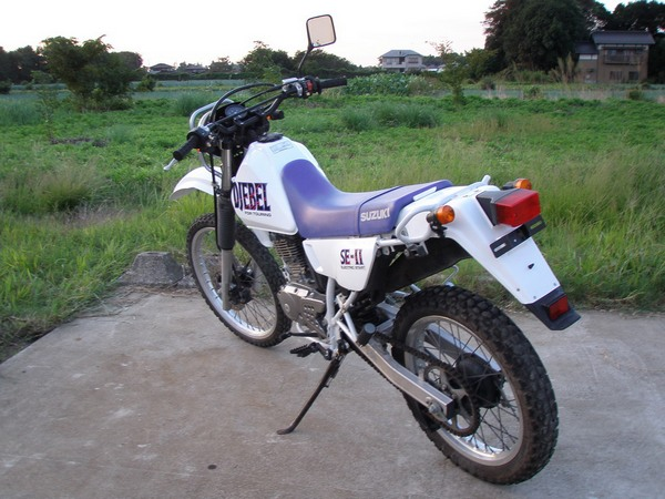 Фотогалкрея мотоцикла Suzuki Djebel (Cузуки Джебел) 200 - фото 5