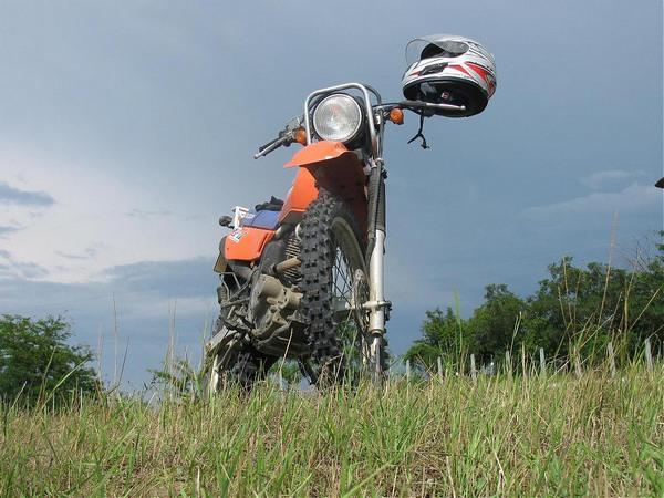Фотогалкрея мотоцикла Suzuki Djebel (Cузуки Джебел) 200 - фото 3