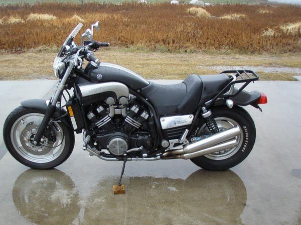 Фотогалерея мотоцикла Yamaha V Мах (Ямаха В Макс) - фото 19