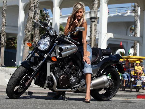 Фотогалерея мотоцикла Yamaha V Мах (Ямаха В Макс) - фото 16