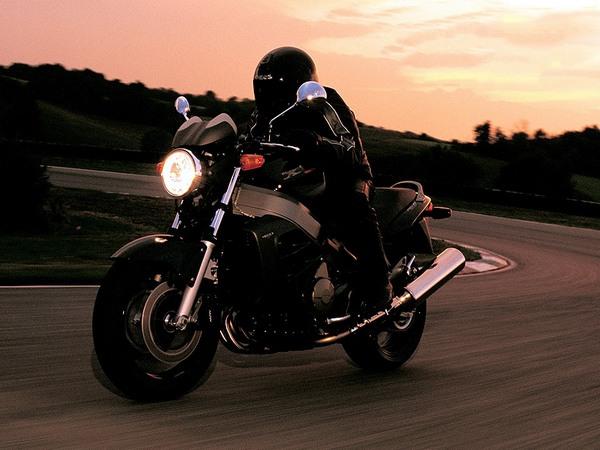 Фотогалерея мотоцикла Хонда Икс 11 - фото 1