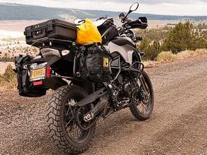 Различные типы креплений кофров для мотоцикла и скутера