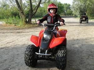 Преимущества квадроцикла для детей на аккумуляторе